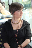 Junge Frau auf der Tram Stockfotos