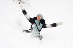 Junge Frau auf Schnee Lizenzfreie Stockfotografie