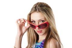 Junge Frau in den Sonnenbrillen lizenzfreies stockfoto