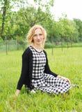 Junge Frau der Landschaft Stockfotografie