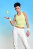 Junge Frau in der Sportabnutzung Stockfotografie