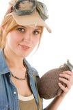 Junge Frau des Abenteuers mit Versuchsschutzbrillen stockfoto
