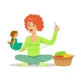 Junge Frau, die auf dem Boden und der nähenden Puppe sitzt Machen Sie Charaktervektor Illustration des Hobbys und des Berufs bunt stock abbildung