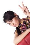 Junge Frau, die ihre Gefühle zur Kamera ausdrückt Lizenzfreies Stockfoto