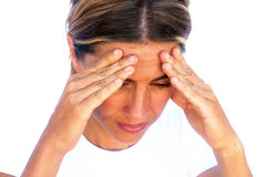 Junge Frau, die unter Kopfschmerzen leidet Lizenzfreie Stockbilder