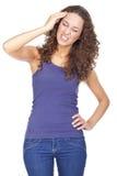 Junge Frau, die unter Kopfschmerzen leidet lizenzfreie stockfotos