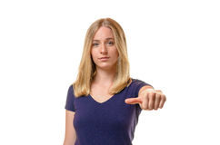 Junge Frau, die von der Abstimmung sich enthält stockfotografie