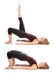 Junge Frau, die Yoga tut Stockfoto