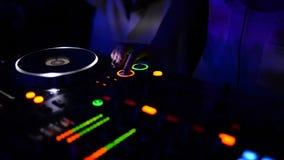 Junge Frau DJ stock footage