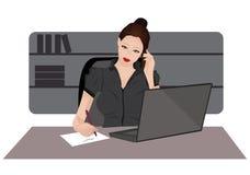 Junge Frau an einem Telefon Stockbilder