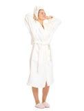 Junge Frau im Bademantel Frische genießend Stockbild
