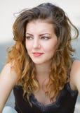 Junge Frau im Freien Lizenzfreie Stockbilder