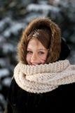 Junge Frau im Freien im Winter Lizenzfreies Stockbild