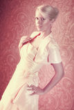 Junge Frau im Kleid Stockbild