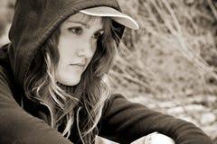 Junge Frau im Sepia Stockfotos