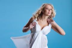 Junge Frau mit Ballonen Lizenzfreies Stockfoto