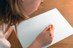 Junge Frau mit Bleistift Lizenzfreies Stockbild