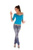 Junge Frau mit den Daumen oben Stockfoto