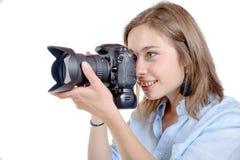 Junge Frau mit einer Kamera Jugendlebensstil Stockbild