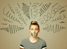 Junge Frau mit geklebtem Mund und gelockten Linien Stockbild