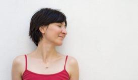 Junge Frau mit geschlossenen Augen Stockfotografie