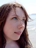 Junge Frau mit grünen Augen Stockbild