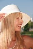 Junge Frau mit Hut Lizenzfreies Stockfoto