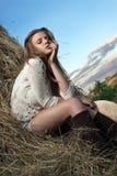 Junge Frau mit Hut Lizenzfreie Stockfotos
