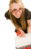 Junge Frau mit Laptop Lizenzfreies Stockbild