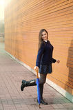 Junge Frau mit Regenschirm Stockfotos
