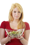 Junge Frau mit Schüssel grünem Salat Lizenzfreies Stockfoto