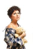 Junge Frau mit Teddybären Lizenzfreies Stockfoto