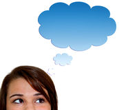 Junge Frau mit thougt Luftblase Stockfoto