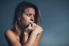 Junge Frau traurig und Schreien Lizenzfreies Stockbild