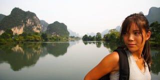 Junge Frau in Yangshuo Stockfoto