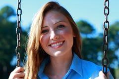 Junge Frauen-Lächeln Lizenzfreie Stockfotografie