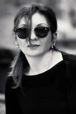 Junge Frauen-Portrait Schwarzweiss-Foto Pekings, China lizenzfreies stockfoto