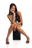 Junge Frauen-Sitzen stockbild