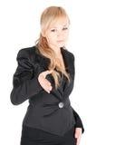 Junge Geschäftsfrau mit der ausdehnenden Hand zur Erschütterung über weißem Hintergrund Stockfoto
