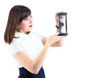 Junge Geschäftsfrau mit Hourglass Lizenzfreies Stockbild