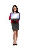 Junge Geschäftsfrau mit Laptop Lizenzfreie Stockfotos