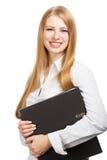 Junge Geschäftsfrau mit schwarzem Ordner auf weißem Hintergrund Lizenzfreie Stockfotos