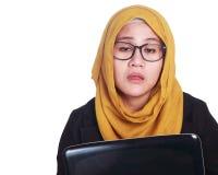Junge Geschäftsfrau Tired, schläfriges Expressioin lizenzfreie stockbilder