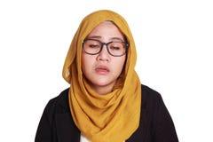 Junge Geschäftsfrau Tired, schlafender Ausdruck lizenzfreie stockfotografie