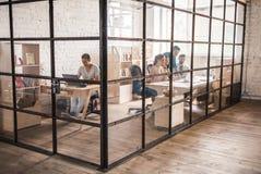 Junge Geschäftsteamfunktion lizenzfreies stockbild