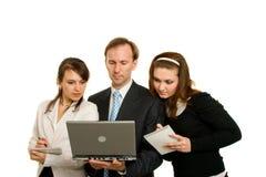 Junge Geschäftsfrauen und junge Geschäftsmänner Stockbild