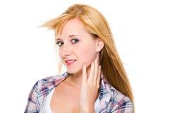 Junge glückliche blonde Frau, Portrait, getrennt Lizenzfreie Stockfotografie