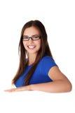 Junge glückliche Frau des Portraits mit unbelegtem Vorstand Stockbilder