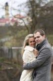 Junge glückliche Frau und Mann Lizenzfreie Stockfotos