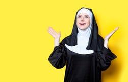 Junge glückliche Nonne Stockfotografie